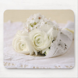 white flowers bouquet mouse pad