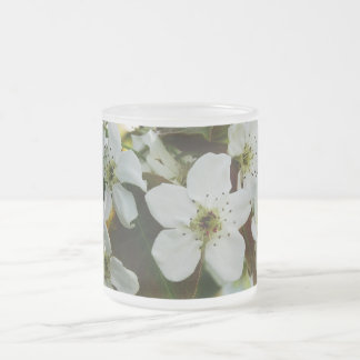 White flowers frosted mug