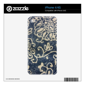 White Flowers on Blue iPhone 4 Skins