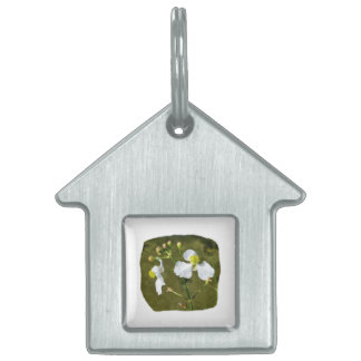 White flowers yellow center round buds pet ID tag