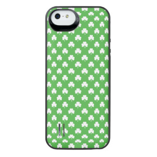 White Heart-Shaped Clover on Green St. Patrick's Uncommon Power Gallery™ iPhone 5 Battery Case