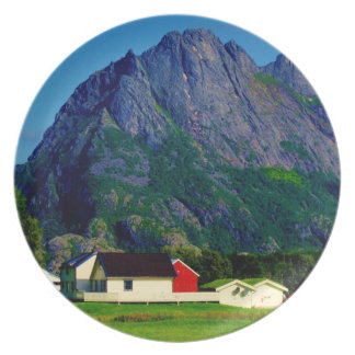 White House and Mountain Plate