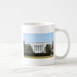 White House From The Lawn Mugs