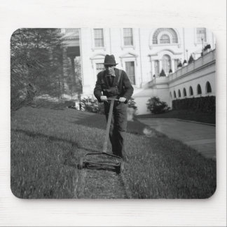 White House, green lawn, 1930s Mouse Pad