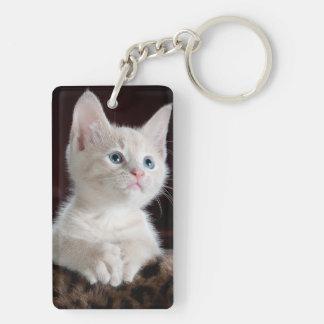 White kitty blue eyes keychain