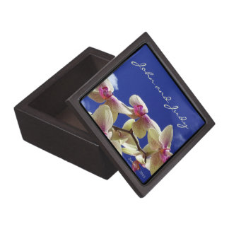 White Lilies and Sky Personal Wedding Gift Box