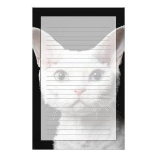 White odd-eyed cat stationery
