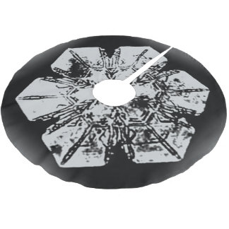 White on Black Snowflake Brushed Polyester Tree Skirt