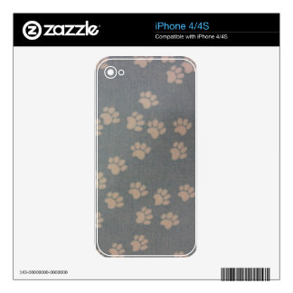 White Pawprints iPhone 4 Decal