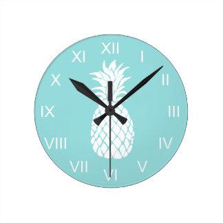 white pineapple round clock