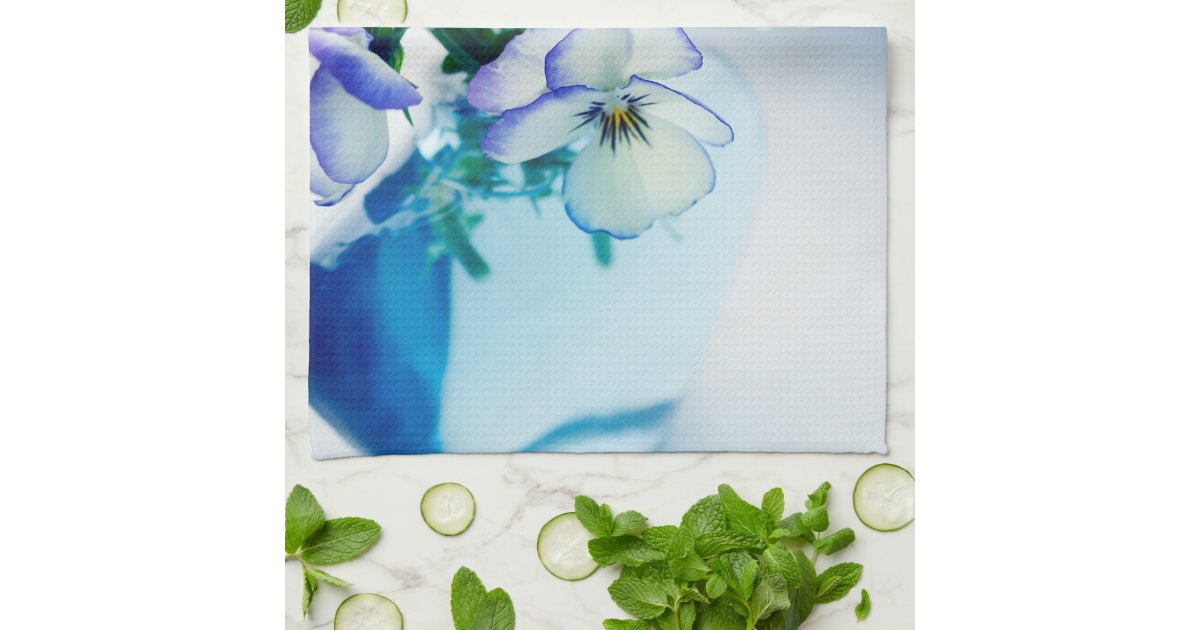 white vase towel 2560x1440 - photo #3