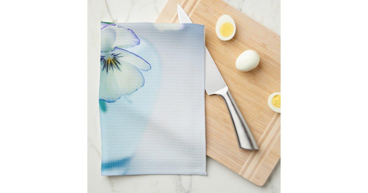 white vase towel 2560x1440 - photo #4