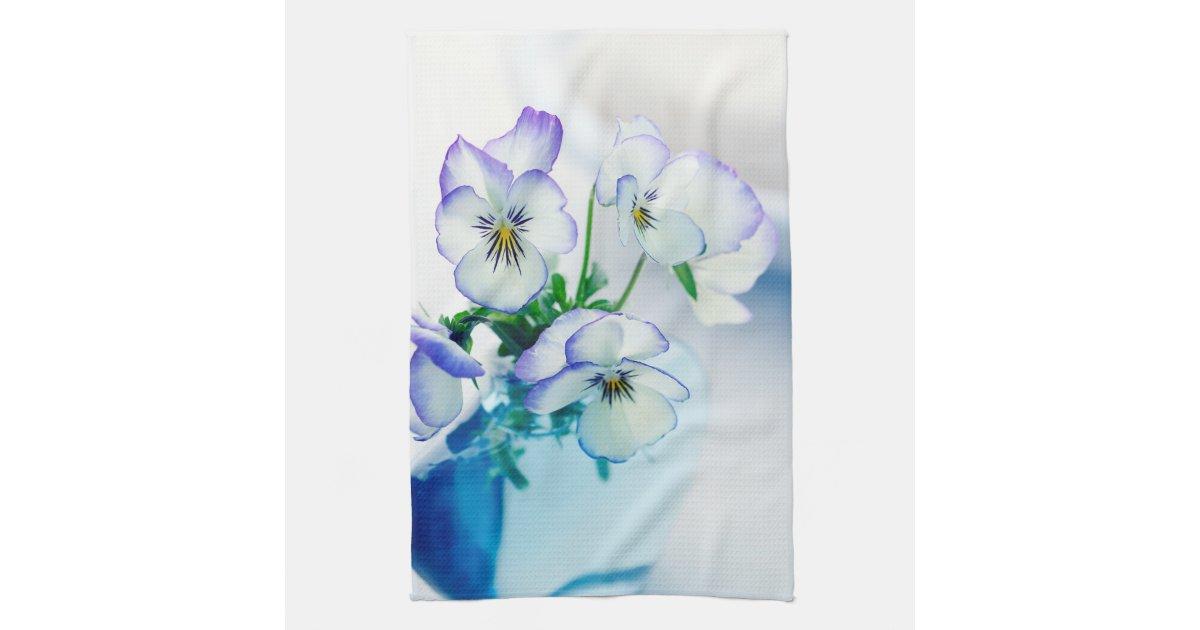 white vase towel 2560x1440 - photo #1