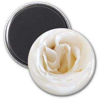 White rose - Snowy 2 Inch Round Magnet