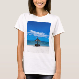 White sand beach of Flic en Flac Mauritius overloo T-Shirt
