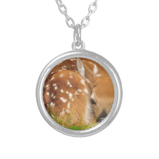 white-tailed-deer-934gahr silver plated necklace