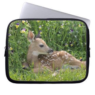 White-tailed deer (Odocoileus virginianus) Laptop Sleeve