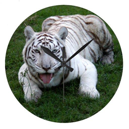 White tiger 014 round wall clock