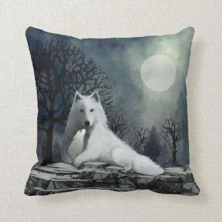 White Wolf con la almohada del perrito Cojín Decorativo