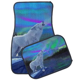 White Wolf que grita en aurora del invierno Alfombrilla De Auto
