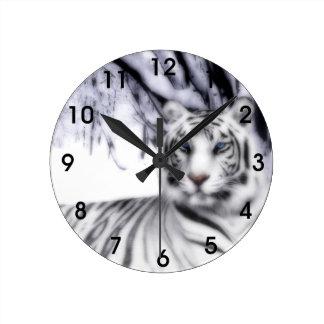 WhiteTiger Round Clock