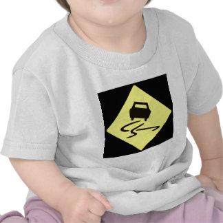 whn resbaladizo mojado camisetas