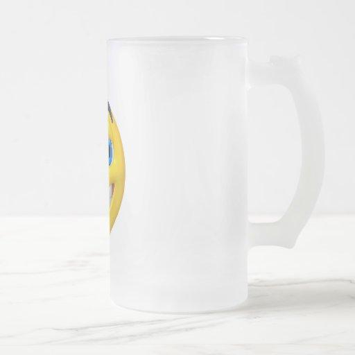 Wide eye yellow smiley 16 oz frosted glass beer mug