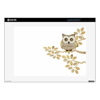 """Wide Eyes Owl in Tree 15"""" Laptop Skins"""