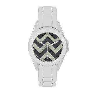wide rickrack zigzag pattern wristwatch