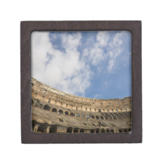 wide view of the interior of the Colosseum Jewelry Box