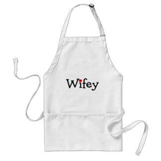 Wifey con el corazón delantal