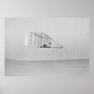 Wilbur Wright en deslizamiento llano Poster
