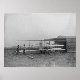 Wilbur y Orville Wright en 2do accionaron la máqui Poster