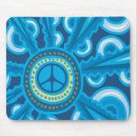 Wild Blue Yonder con el signo de la paz Tapete De Ratones