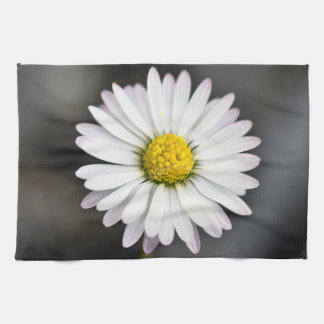Wild daisy white and yellow towel
