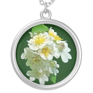 Wildflower blanco de los rosas de Multiflora Colgante Redondo
