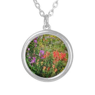Wildflowers de la montaña rocosa colgante redondo