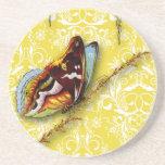 Wildflowers del damasco, MARIPOSA en amarillo Posavasos Personalizados
