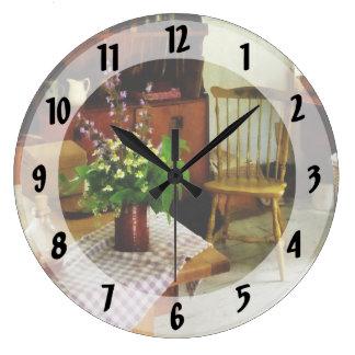 Wildflowers en la tabla de cocina reloj redondo grande