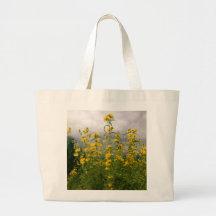 Wildflowers en un día nublado bolsas