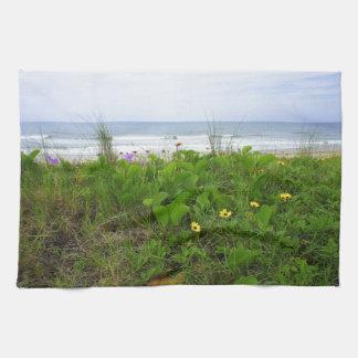 Wildflowers por la playa toallas de mano