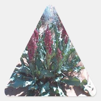 Wildflowers púrpuras calcomania triangulo