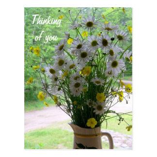 Wildflowers que piensan en usted postal