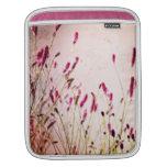 Wildflowers rosados oscuros del jardín mangas de iPad