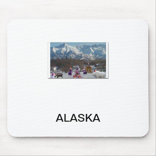 Wildlife Christmas in Alaska mousepad