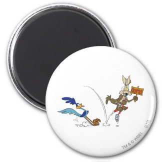 Wile E Coyote and ROAD RUNNER™ Acme Products 7 2 Inch Round Magnet