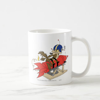 Wile E. Coyote Launching Red Rocket Taza Básica Blanca
