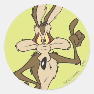 Wile E. Coyote Standing alto Pegatina Redonda