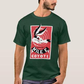 Wile Warner Bros. Presents poster T-Shirt