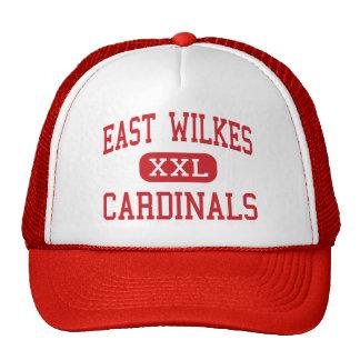 Wilkes del este - cardenales - alto - Ronda Gorras